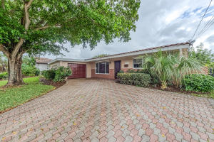 1055 SW 11th Street  For Sale 10632262, FL