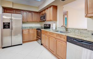 7380 S Oriole Boulevard 304 For Sale 10631124, FL