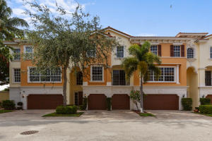 605 NE Francesca Lane  For Sale 10632601, FL