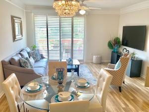 2040  Alta Meadows Lane 1606 For Sale 10632689, FL