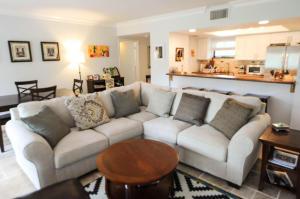 11863  Wimbledon Circle 409 For Sale 10632784, FL
