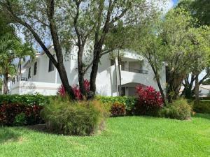 7509  Glendevon Lane 1004 For Sale 10633241, FL