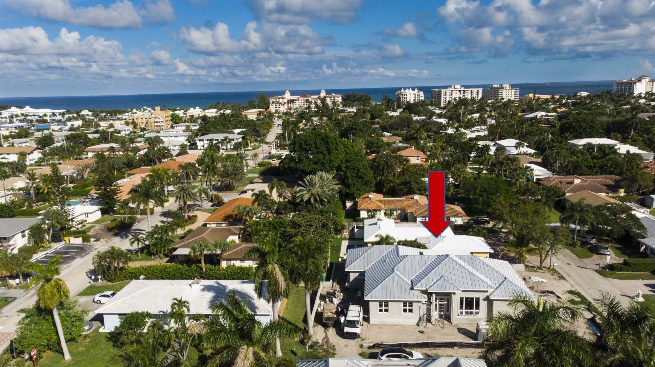 185 Lake Dr  Palm Beach Shores FL 33404