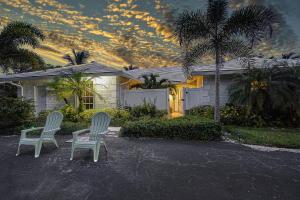 1601  Juana Road  For Sale 10632126, FL