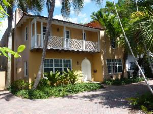 235  Seaspray Avenue  For Sale 10632955, FL