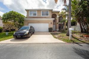 1354  Fairfax Circle  For Sale 10633081, FL
