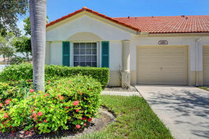 6181  Lake Hibiscus Drive  For Sale 10633092, FL