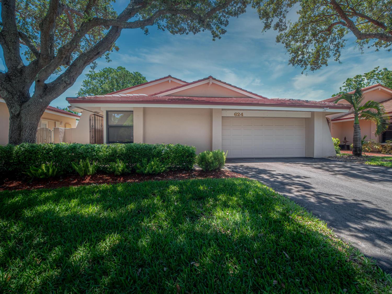 Home for sale in Hollows Of Deer Creek Deerfield Beach Florida