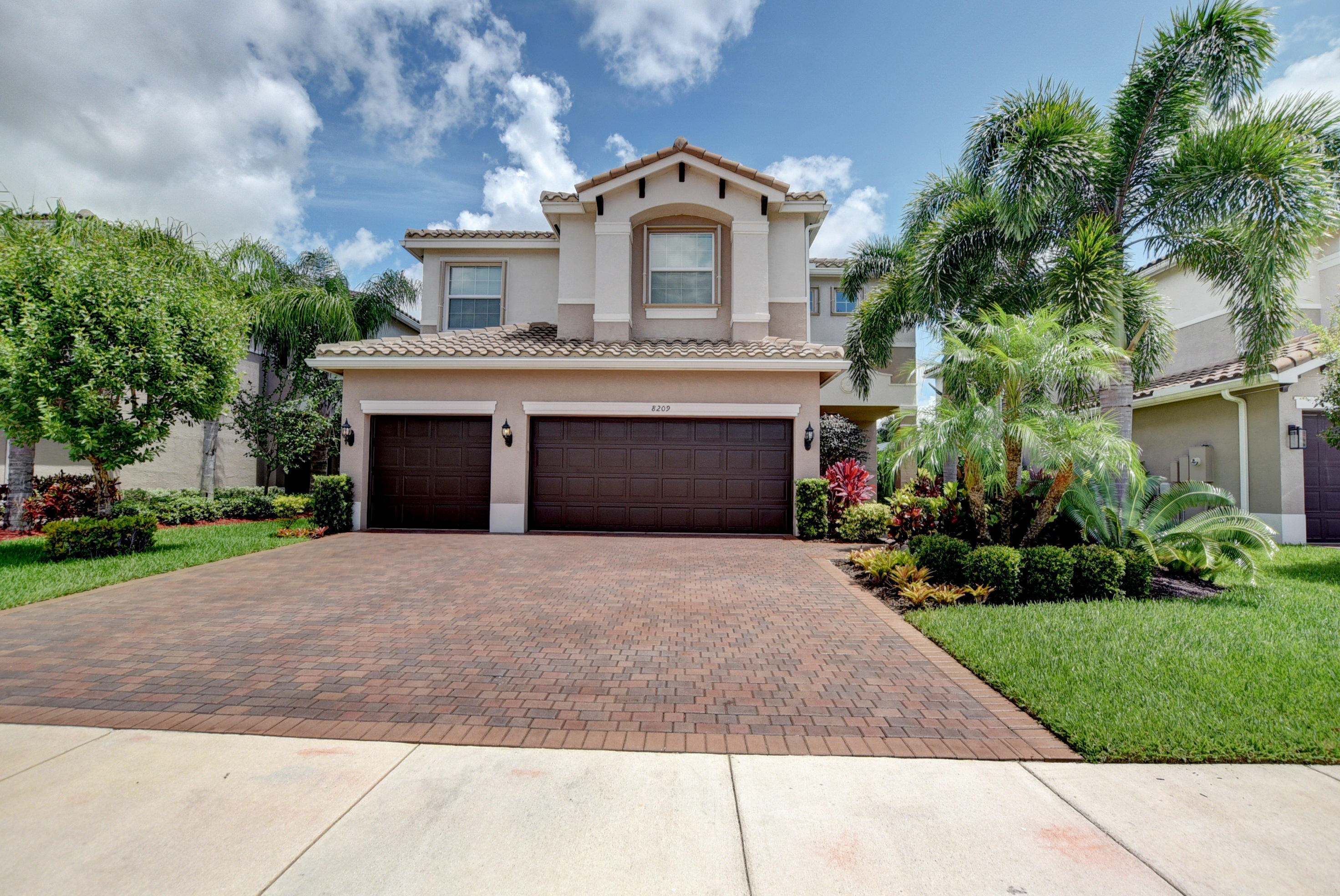 8209 Fiera Ridge Drive  Boynton Beach, FL 33473