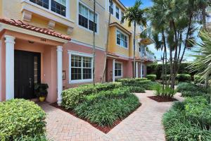 144  Harbors Way  For Sale 10633417, FL