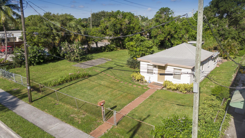 10 SW 4th Avenue  Delray Beach, FL 33444