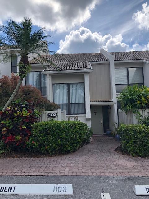 1102 Bridgewood Place Boca Raton, FL 33434