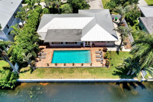 1018  Lake Shore Drive  For Sale 10633414, FL