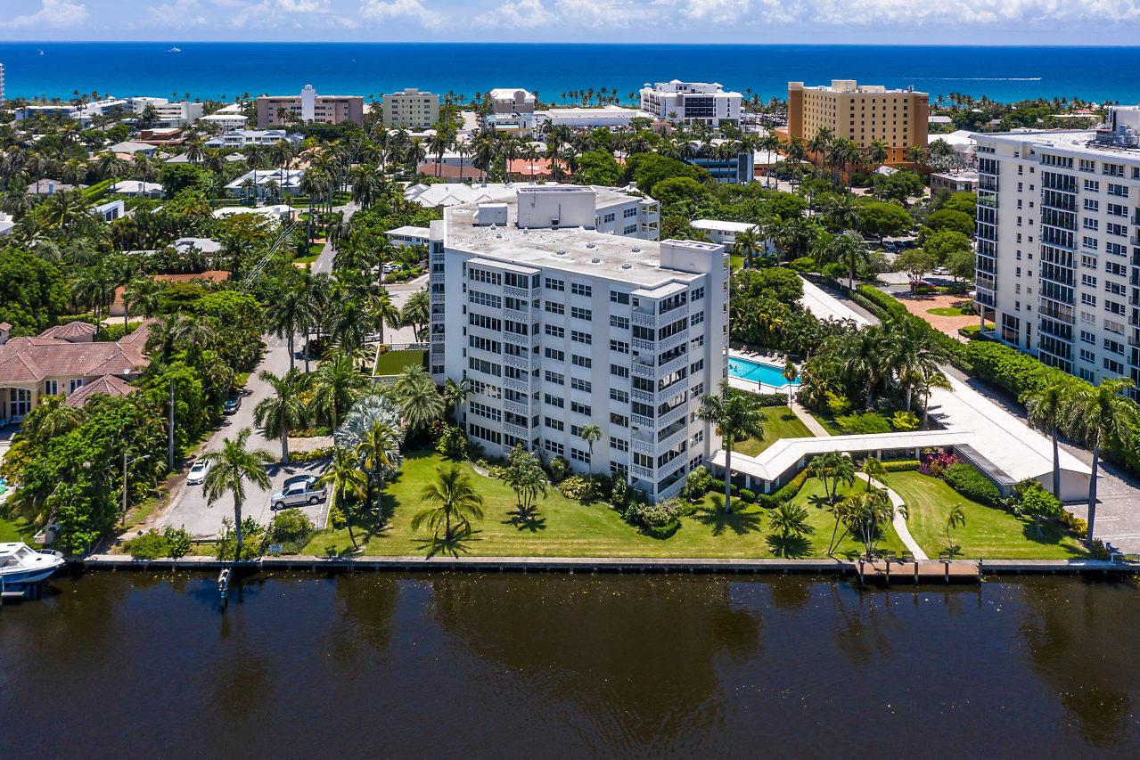 1000 Lowry Street 6b  Delray Beach, FL 33483