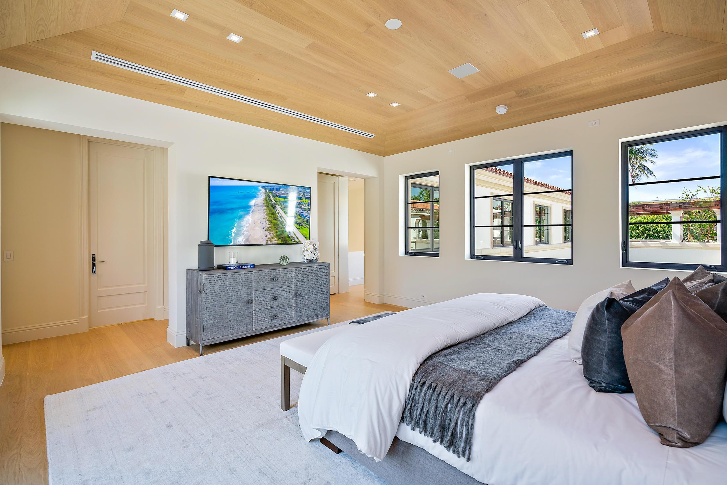 237 Brazilian Avenue, Palm Beach, Florida 33480, 10 Bedrooms Bedrooms, ,10 BathroomsBathrooms,Residential,for Sale,Cortile Villa,Brazilian,RX-10625875, , , ,for Sale