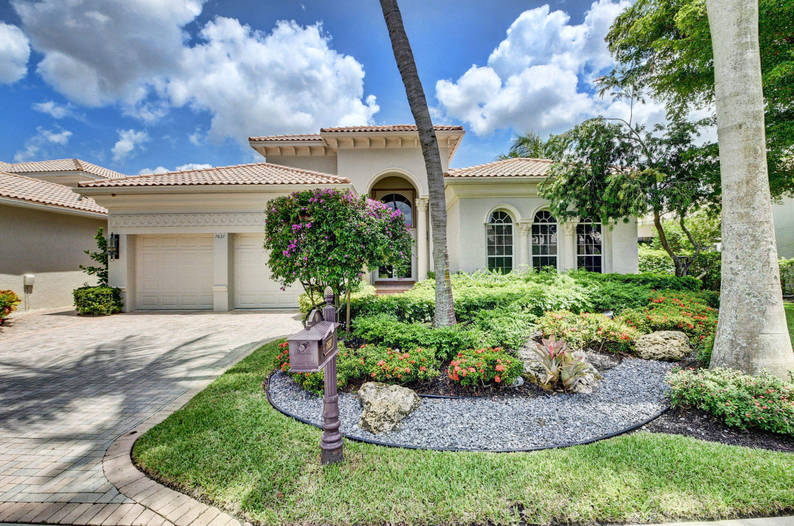 7637 Bella Verde Way  Delray Beach, FL 33446