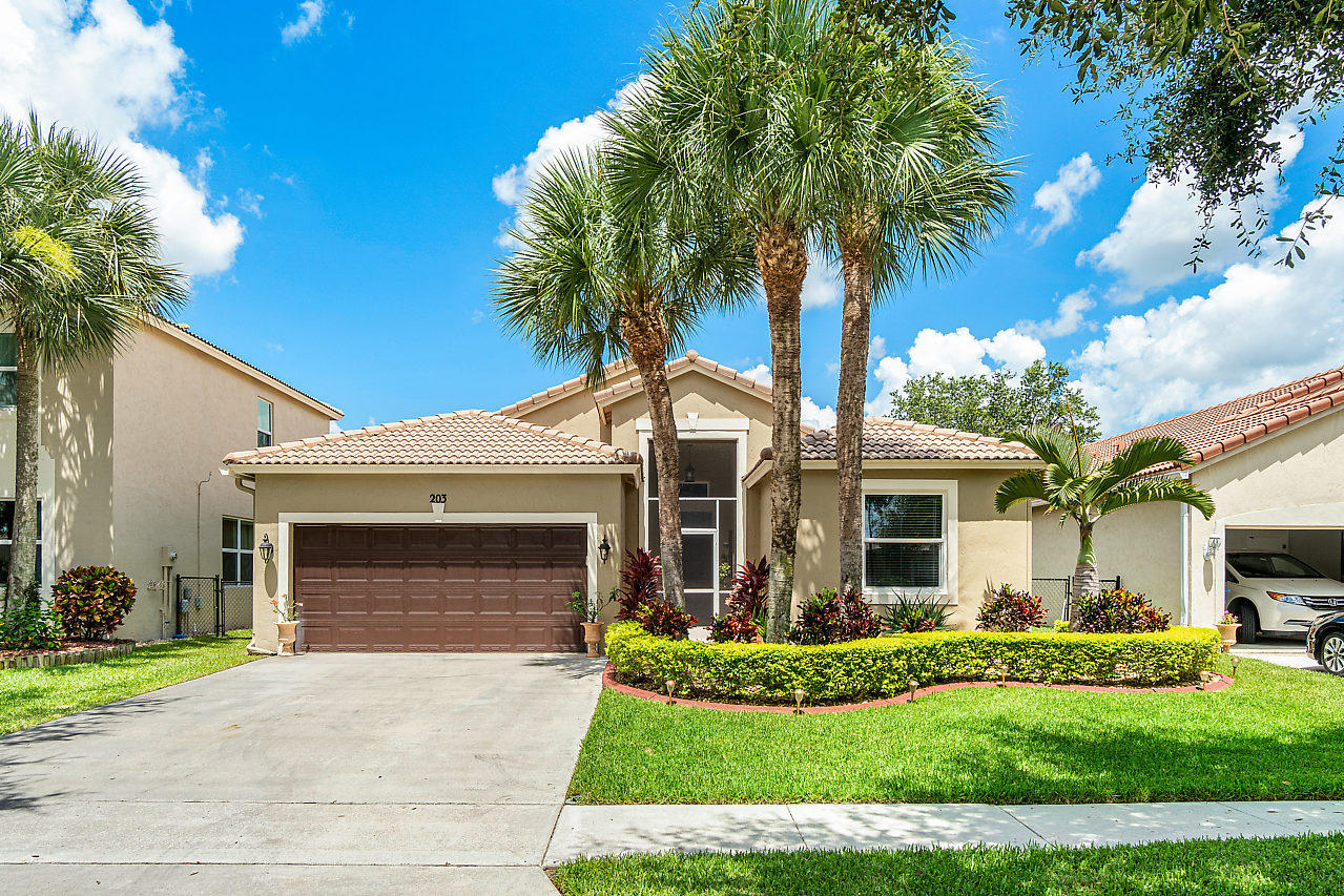 203 Seminole Lakes Drive Royal Palm Beach, FL 33411