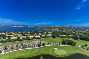 1900  Consulate Place Ph-02 For Sale 10634151, FL
