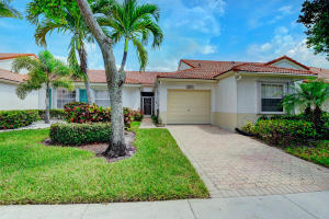 6169  Lake Hibiscus Drive  For Sale 10634093, FL
