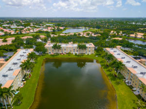 12547  Imperial Isle Drive 402 For Sale 10634200, FL