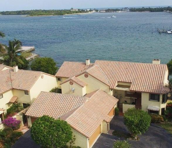 6 ViA Lago Boynton Beach, FL 33435