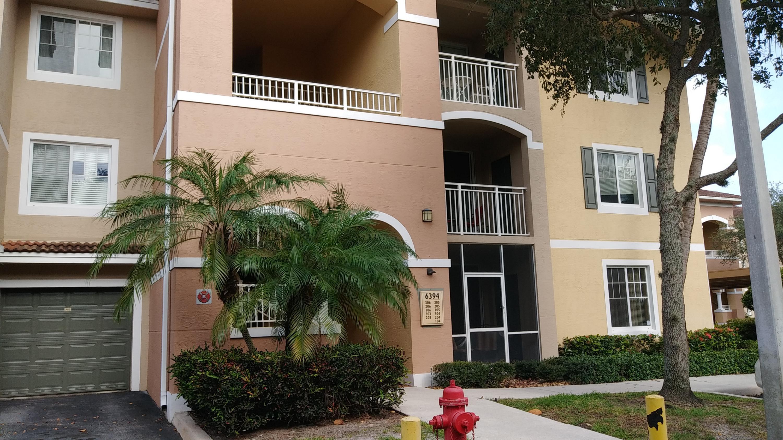 6394 Emerald Dunes Drive 104 West Palm Beach, FL 33411