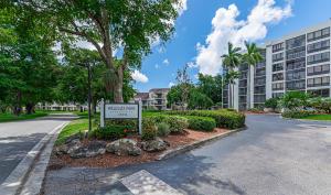5951  Wellesley Park Drive 205 For Sale 10634517, FL