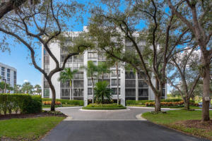 7819  Lakeside Boulevard 873 For Sale 10633448, FL