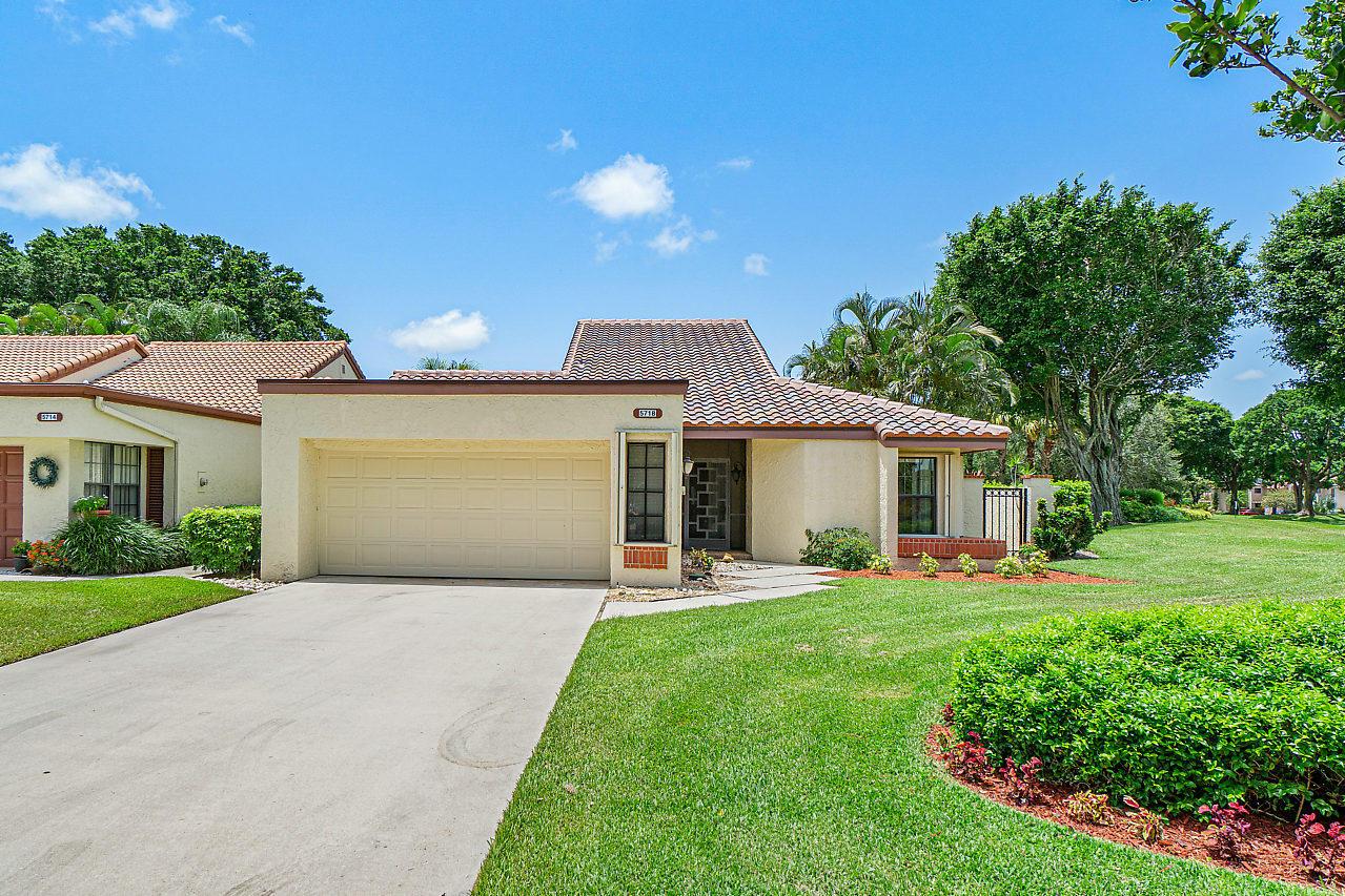 Home for sale in VILLAS OF GREEN GLEN III Boynton Beach Florida