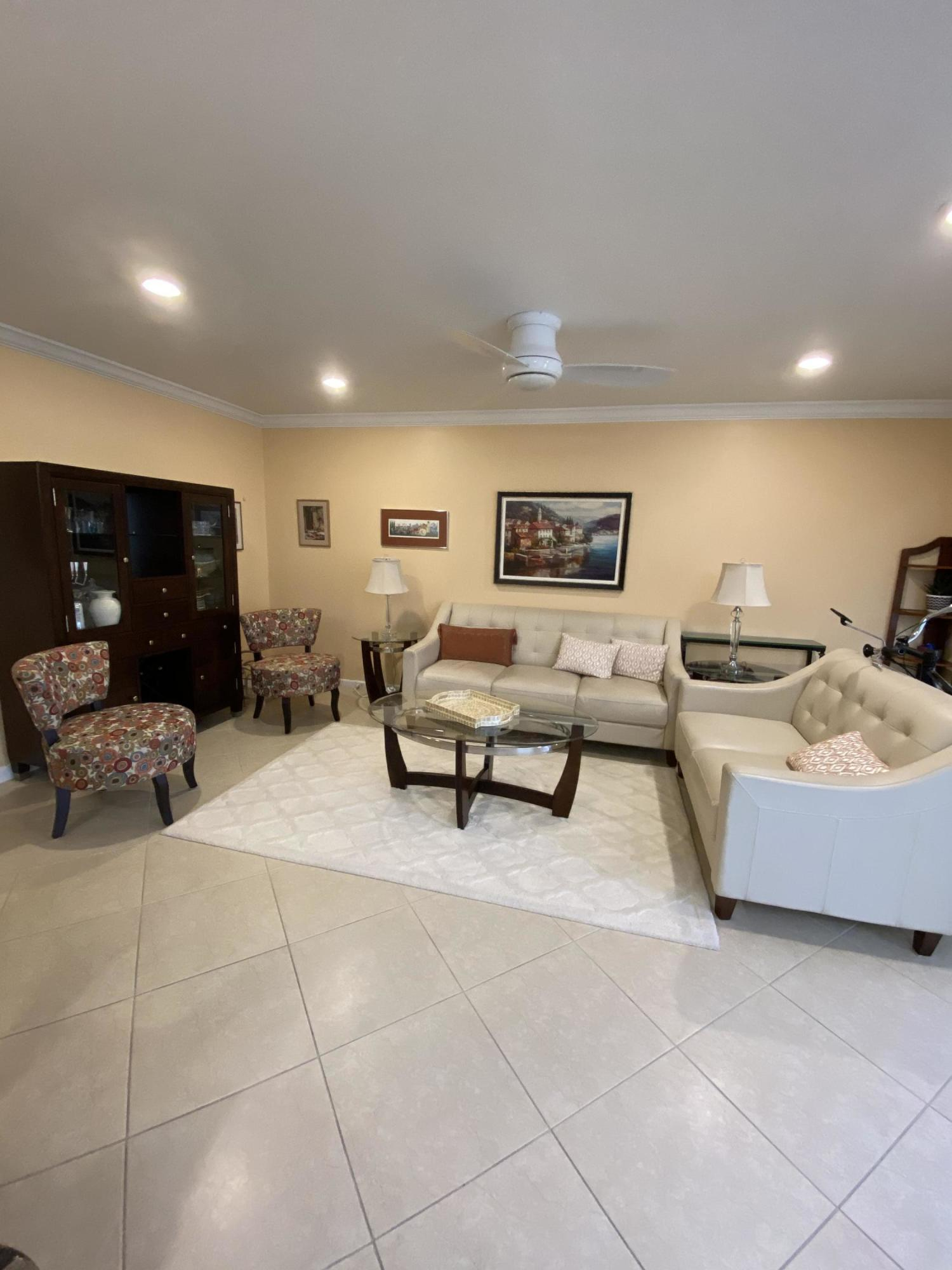 4018 Ainslie B, Boca Raton, Florida 33434, 2 Bedrooms Bedrooms, ,2 BathroomsBathrooms,Residential,for Sale,Ainslie B,RX-10634547, , , ,for Sale