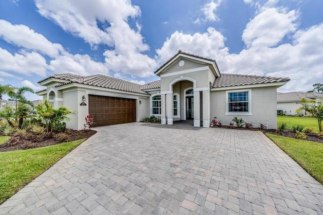 Photo of 3145 Berkley Square Way, Vero Beach, FL 32966