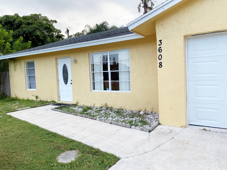 3608 Harwich Court Lake Worth, FL 33467 photo 2