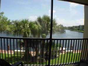 22  Royal Palm Way 204 For Sale 10634732, FL