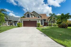 1581  Bayridge Place  For Sale 10634735, FL