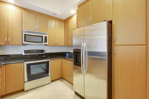 701 S Olive Avenue 626 For Sale 10634748, FL