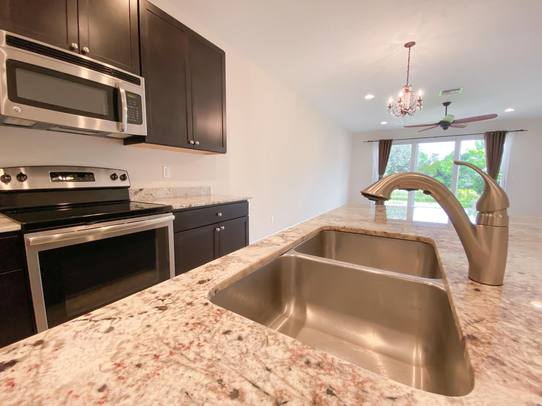 623 Glen Crest Way, Stuart, Florida 34997, 3 Bedrooms Bedrooms, ,2 BathroomsBathrooms,Residential,for Sale,Glen Crest,RX-10634890, , , ,for Sale