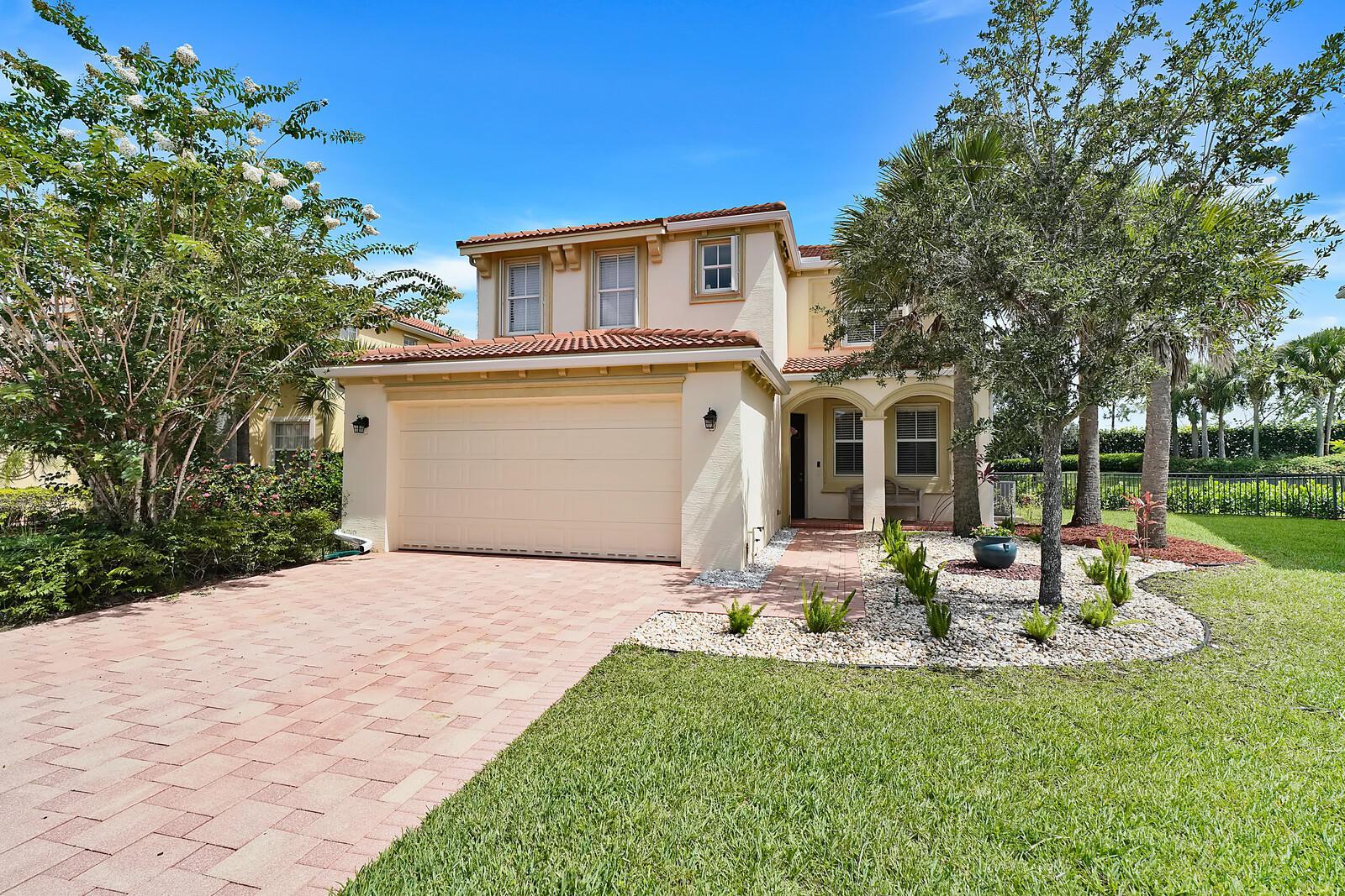 2723 Pienza Circle Royal Palm Beach, FL 33411
