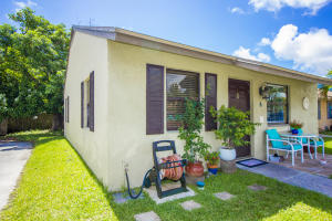 2345  2nd Avenue 6 For Sale 10632997, FL