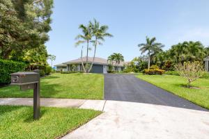 8  Woodbrook Circle  For Sale 10635139, FL
