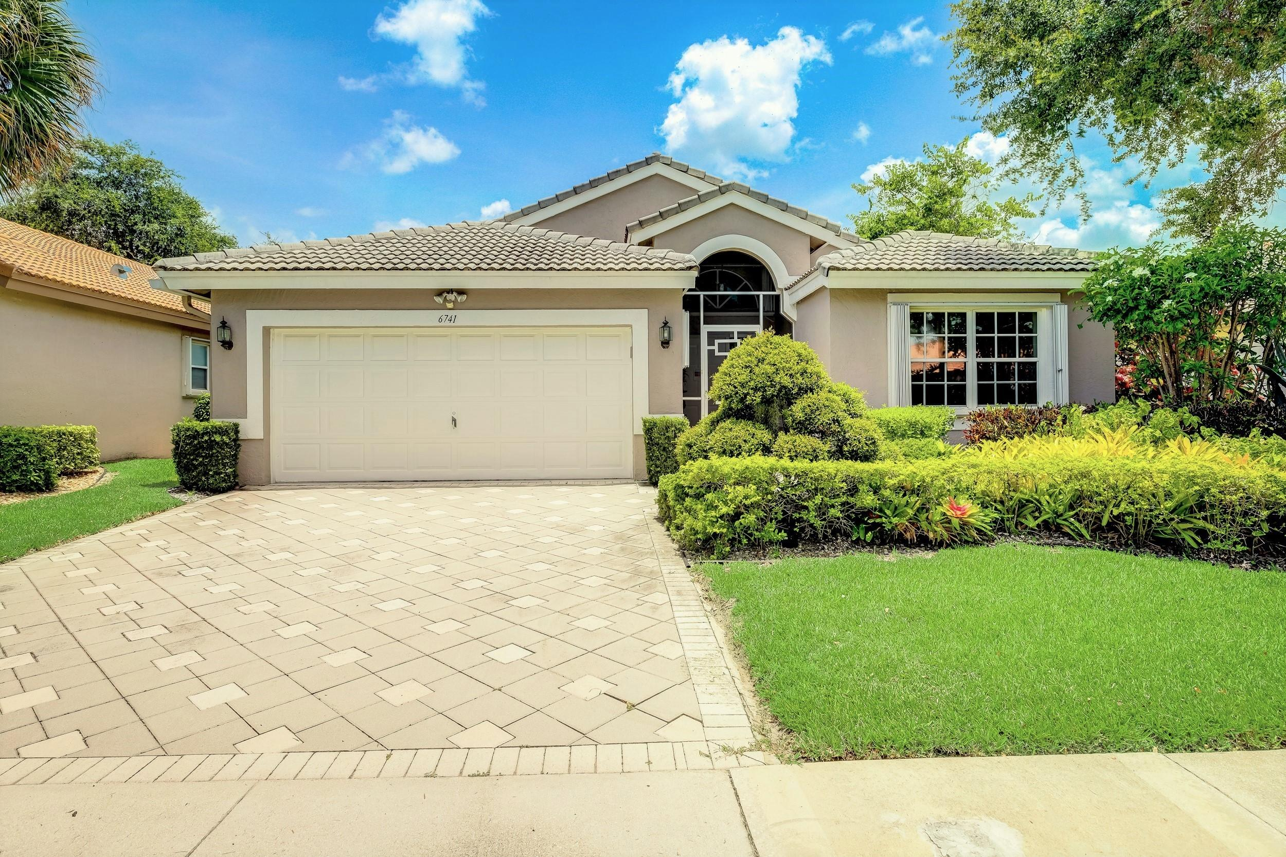 Home for sale in Lakeridge Greens Boynton Beach Florida