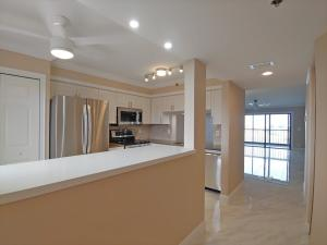 7260  Kinghurst Drive 702 For Sale 10635886, FL