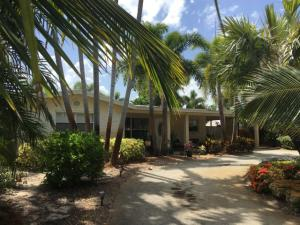 1155 NW 3rd Avenue  For Sale 10635369, FL