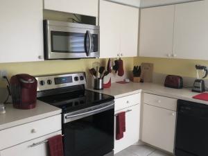 11210  Green Lake Drive 202 For Sale 10635216, FL