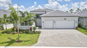 9237  Seahorse Bay Drive  For Sale 10635475, FL
