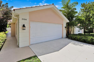 2100  Blue Springs Road  For Sale 10635713, FL