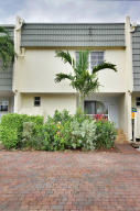 1040  Russell Drive  For Sale 10636073, FL
