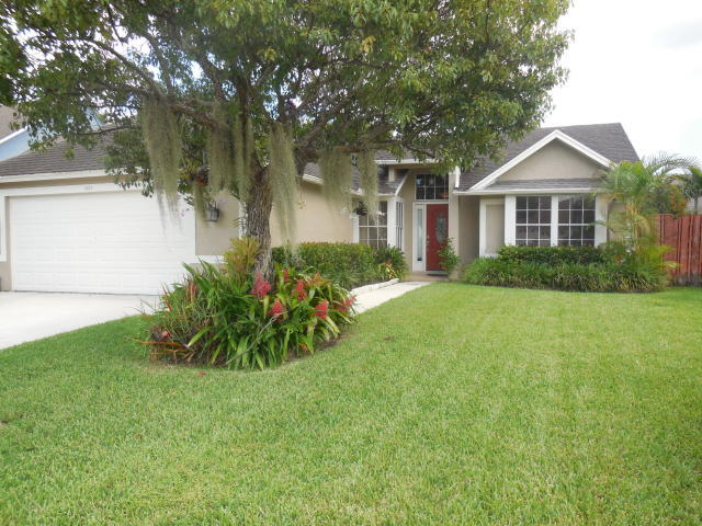Home for sale in Meadowland Cove 01 Wellington Wellington Florida