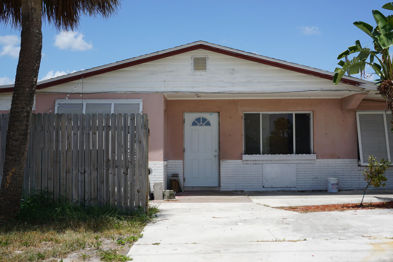 Home for sale in JENSEN HIGHLANDS PLAT 2 Jensen Beach Florida
