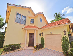 1726  Shoreside Circle  For Sale 10636076, FL