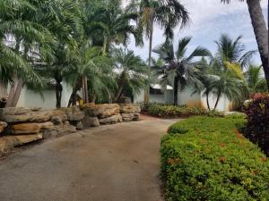 1201 NW 3rd Avenue  For Sale 10635384, FL